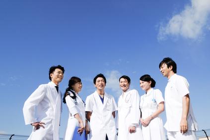 医師と看護師たち